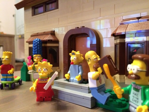 The Simpsons House - Figures