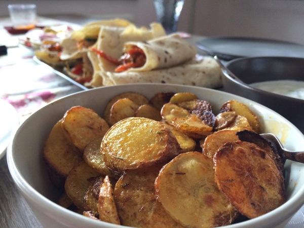 Vegetable Enchiladas with self-made Potatoe Chips